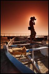 Cokinazo al Maestro (Umberto Pappalardo) Tags: contraluz barca playa tobacco fotgrafo sanlucar cokin barrameda