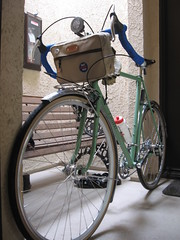 Pereira with Acorn Bag. (ispoke) Tags: noho steel north hollywood frame groceries townie pannier pereira randonneur