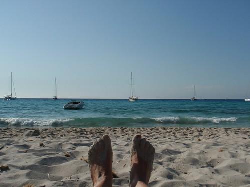les pieds devant l'eau
