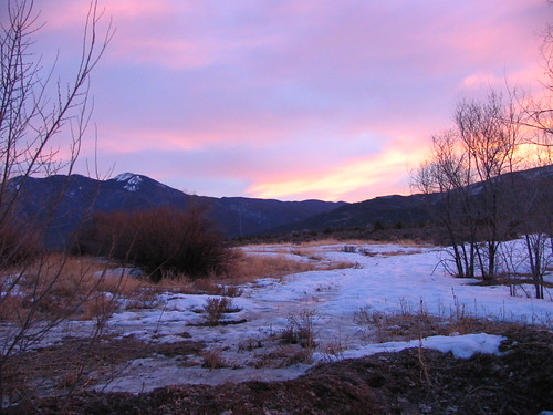 Sunrise On Taos Mountain, Taos, New Mexico, February 2007, photo © 2007-2009 by QuoinMonkey. All rights reserved.