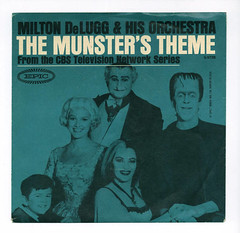 The Munster's Theme (TV) (Don3rdSE) Tags: records television tv 60s pix vinyl picture pic 45 retro teen record oldies sleeve rpm 45rpm picturesleeves vinyljunkie picturesleeve teener themunsters don3rdse nlvdon