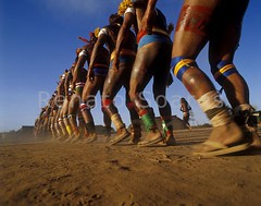 Renato Soares 09 - Mavutsinim - A Dança do Kuarup (www.renatosoares.com.br) Tags: brasil cores arte xingu ritual indios festa indigena etnias kuarup