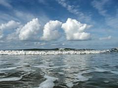 Fan sky (runlama) Tags: blue sky mer praia beach water clouds strand denmark wasser himmel wolken playa du blau dnemark danmark nordsee plage spiaggia nord danemark fan vesterhavet uimaranta plaj nordsen runlama westerhavet