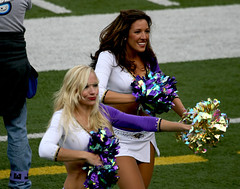 BALTIMORE RAVENS CHEERLEADERS (nflravens) Tags: sports football cheerleaders nfl baltimore hunter ravens americanfootball nflfootball baltimoremd baltimoremaryland baltimoreravens prosports profootball ravenscheerleaders nflravens shoreshotphotography baltimoreravenscheerleaders baltimorecheerleaders