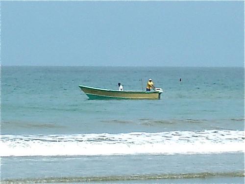 Ecuador-beach-fishing