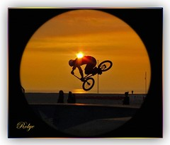 15310 - BMX Spectacular  Sunset ! Le Havre France    (Rolye) Tags: sunset france beach photo bmx view shot photos shots samsung www images best technorati views  bloglines 1001nights incredible figures acrobate aol thebest vtt acrobatic lehavre imagesgooglecom googlecom   yahoocom     nv7 samsungnv7 nv7ops imagesyahoocom multimegashot awesomme  sinogoo francenormandielehavre