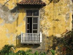 Colombia: Cartagena (zug55) Tags: colombia cartagenadeindias worldtrekker unesco bolívar window balcony dwwg cartagena architecturecaribbean windows unescoworldheritagesite worldheritagesite balcón balcones balcon balconies worldheritage patrimoniamundial patrimoinemondial weltkulturerbe patrimoniodelahumanidad