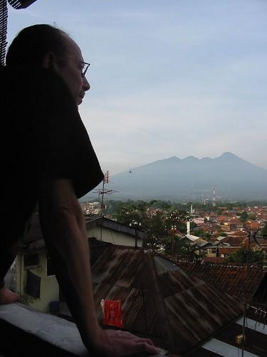 Zicht van op ons terras in Bogor