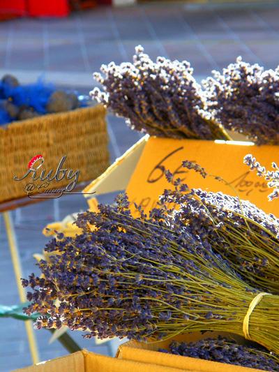 marche_aux_fleurs_03
