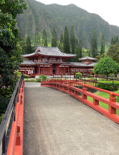 Byodo-In with Bridge