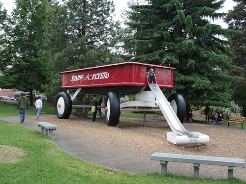 Worlds Largest Radio Flyer Wagon