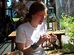 me knitting on wwkip day!