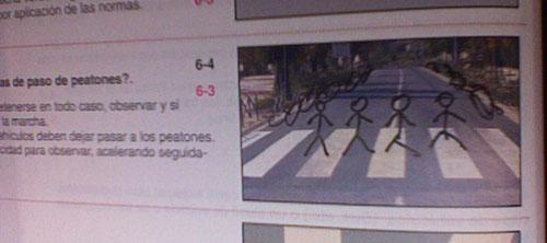 Fotografía de libro de autoescuela que se cree que es Abbey Road