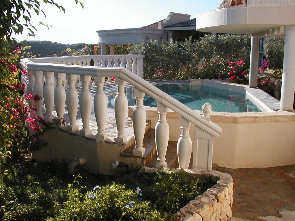 balustrade jardin clture de jardin barreaux en pvc traditional top fence with balustrade jardin. Black Bedroom Furniture Sets. Home Design Ideas