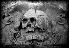 Moral in Stone (Cul 9) Tags: skull headstone tombstone gravestone churchyard