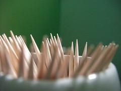 Magro come uno... (alfiererosso) Tags: wood toothpick punta legno stuzzicadenti stecchini