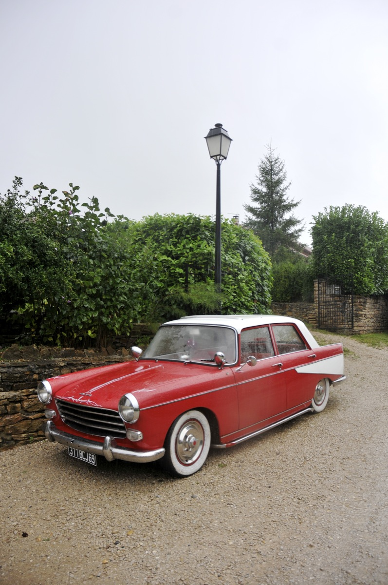 custom customs Peugeot 404