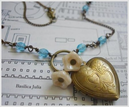 Gisella Necklace Heart Locket