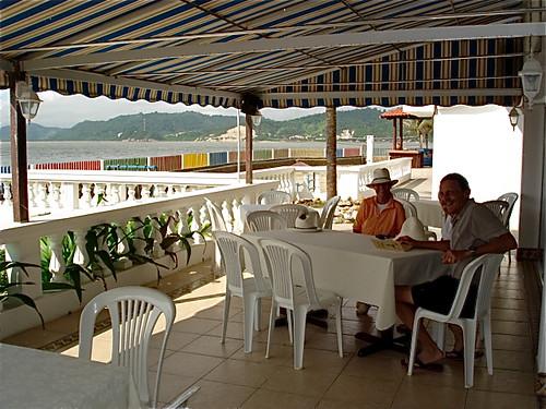 bahia-ecuador-hotel deck