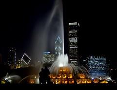 A season for love (gicol) Tags: park usa chicago fountain night us illinois grant buckingham fontana notturno