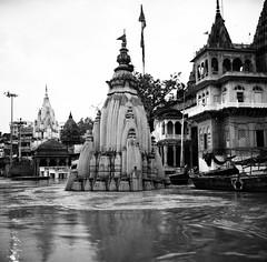 The Monsoon Ganges. (ndnbrunei) Tags: blackandwhite bw india 120 6x6 tlr film rollei rolleiflex mediumformat square kodak bn varanasi mf rolleiflex28f ganges classicblackwhite analoguephotography autaut rolleigallery ndnbrunei kodak400tmy2 distinguishedblackandwhite