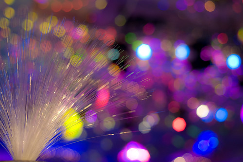 Fibre optics and color