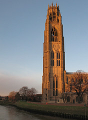 Boston Stump, Lincolnshire (Neil Pulling) Tags: winter sunset church boston evening sonnenuntergang lincolnshire fens witham winterlight eveninglight bostonstump englishchurch winterevening thestump rnbwitham