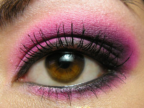 MUFE Pink & Black Tied Smoky Eye Closeup