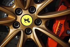 Scud Gold (j.hietter) Tags: california wheel ceramic gold ferrari hills badge brakes beverly brake carbon disc scuderia 430 calipers
