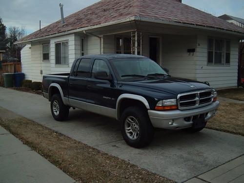 2002 Dakota