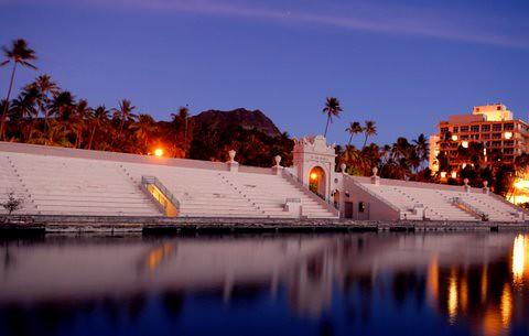 Twilight falls on the Waikiki War Memorial Natatorium