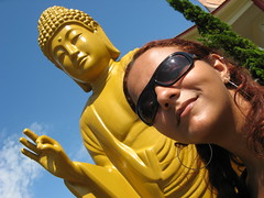 Templo Budista (Raquel Camargo) Tags: verde water paran brasil natureza waterfalls viagem parana turismo iguazu buda foz passeio esttuas budismo iguau paraguai fronteira fozdoiguau iguassufalls fozdoiguacu templobudista