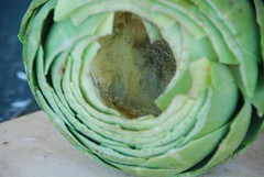 clean artichoke cavity