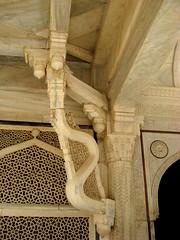 Rain evacuation system (_Sebas_) Tags: india tomb mosquee marble jaipur moucharabieh mucharabia