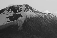 Iwate Mountain in Spring (jasohill) Tags: city bw 15fav white mountain snow black nature rock japan photography eos 350d japanese iwate canon350d  2008   matsuo jasonhill hachimantai  canonef70200mmf28lusm