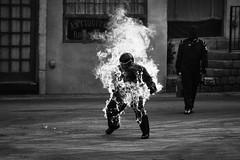 dame el fuego de tu amor (quino para los amigos) Tags: auto car fire 1 helmet help burnt peligro caution formula fuego bomberos casco pilot ayuda quemado piloto polloasado loquesellamacalenturadelmomento