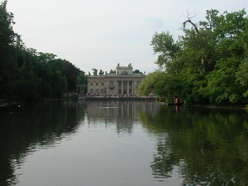 Palacio sobre el agua