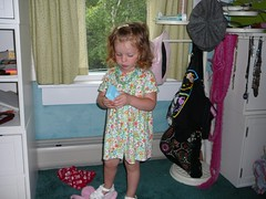 Charlotte in her Sister Sara's Room (alist) Tags: alist dublinnh charlottelasky cassiecleverly alicerobison july2008 kerriekephart ajrobison