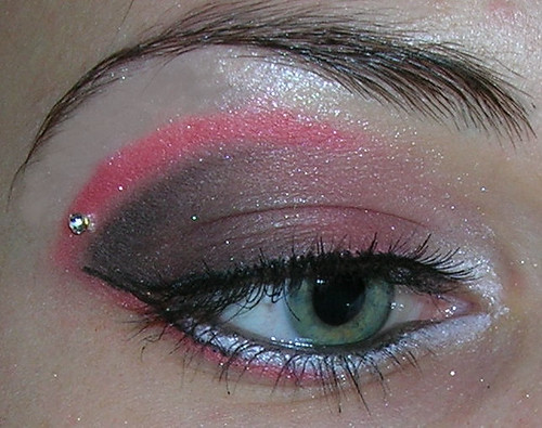 Red pink blue eye design make up