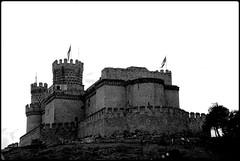 CASTILLO DE MANZANARES EL REAL - MADRID (SPAIN) (ABUELA PINOCHO ) Tags: madrid españa byn blanco spain monumento negro tp castillo virado manzanareselreal tepasaste anawesomeshot allmemorieswelcome historicoartistico