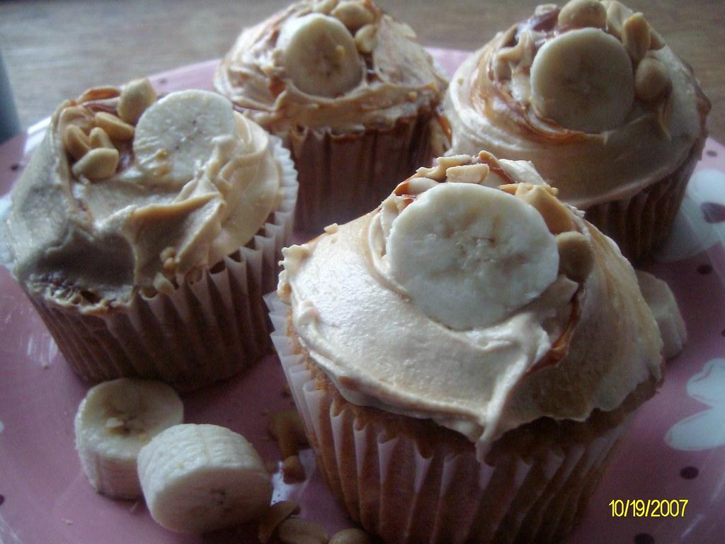 Latin Elvis Cupcake