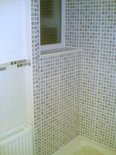 tile wstn bathroom walls