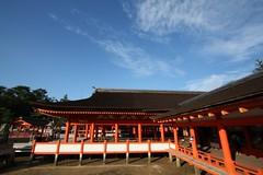 Itsukushima Jinja (kamoda) Tags: red summer japan shrine religion hiroshima miyajima pillars shinto 2008  jinja colonnade vermillion itsukushima     hatsukaichi