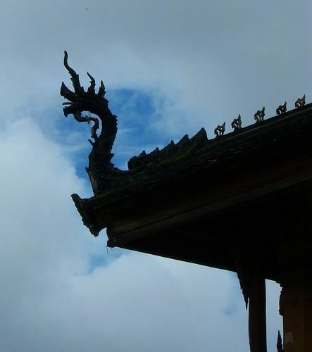 Wat Si Saket - Dragon in front of clouds