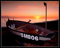 moomoo (Ian's Art....) Tags: sunset seascape nature boat saturated outdoor colourful dfx mypick buoyant iansart buoyantspotlight