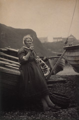'At Auchmithie 1881'. Woman leaning against boat (National Galleries of Scotland Commons) Tags: woman beach stockings scotland boat fishing village basket dress angus scottish escocia shore celtic woodenboat smokies slippers tabaco pescadores jamescox fumadores 1881 auchmithie nationalgalleriesofscotland ahumados theantiquary workdress musselcrag shalebeach sirwalterscottinfluence mujeresdelmar commons:event=commonground2009