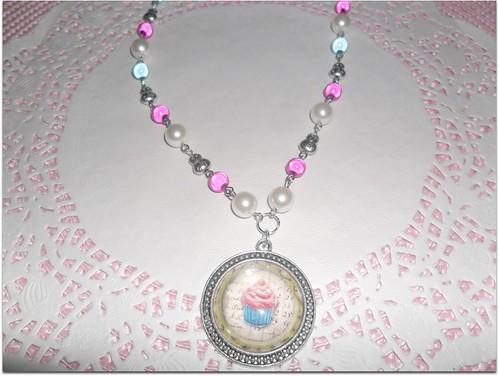 colar cupcake azul e rosa by Fuxiquices-da-isa
