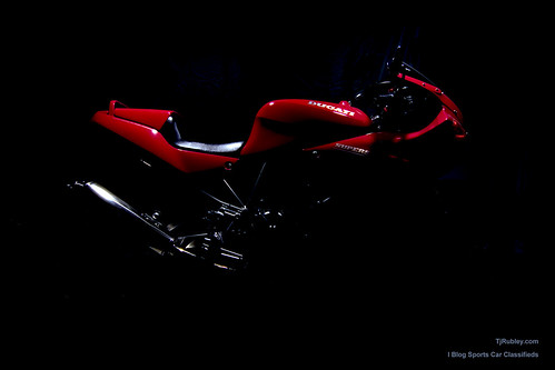 Ducati 750 SuperSport Wallpaper