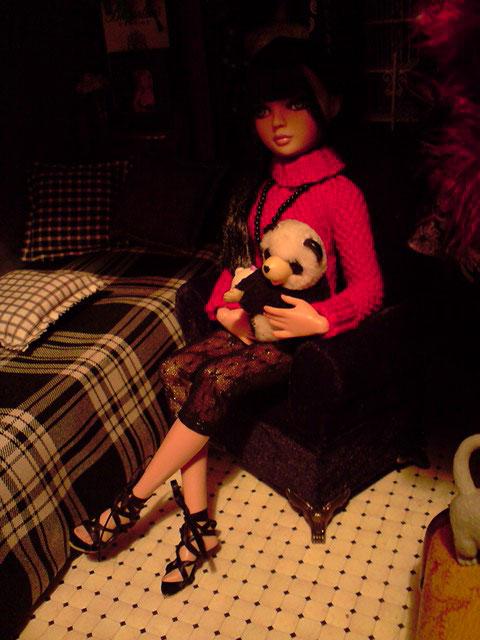 CharlIE :)) dans un beau pull rouge tricoté par Nadine :) Page 2 et 3 :) 2375225340_08aa82b9a6_o