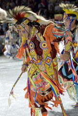 2007 Powwow (Smithsonian Institution) Tags: music art dance native indian nativeamerican tribe nativeamericans nationalmuseumoftheamericanindian culturalheritage rituals powwow natives smithsonianinstitution colorphotograph featers nationalpowwow headdr